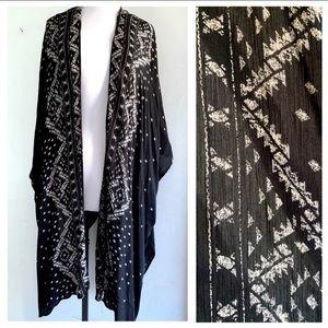 Ecote (EU) Black & Cream Tribal Print Kimono
